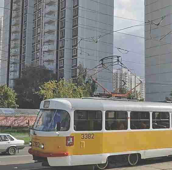 Москва. Таллинская улица 32 корп. 3. Трамвай