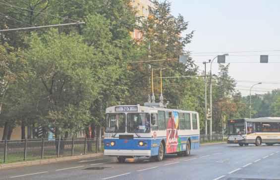 Планерная улица. Троллейбусы
