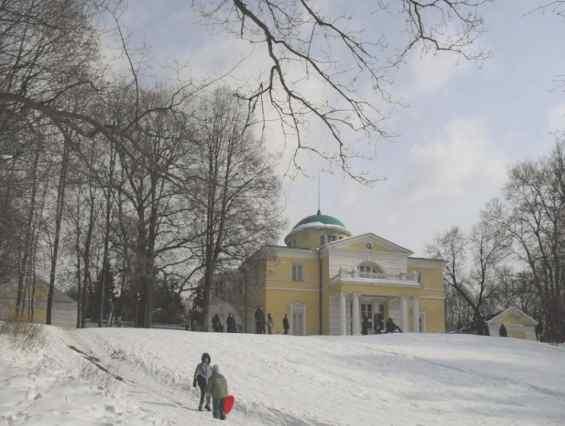 Светлогорский проезд. Главный дом усадьбы Братцево